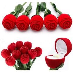 Pudełko na pierścionek zaręczynowy czerwona róża