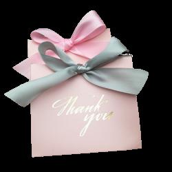 Różowa torebka prezentowa na biżuterię z szarą kokardką